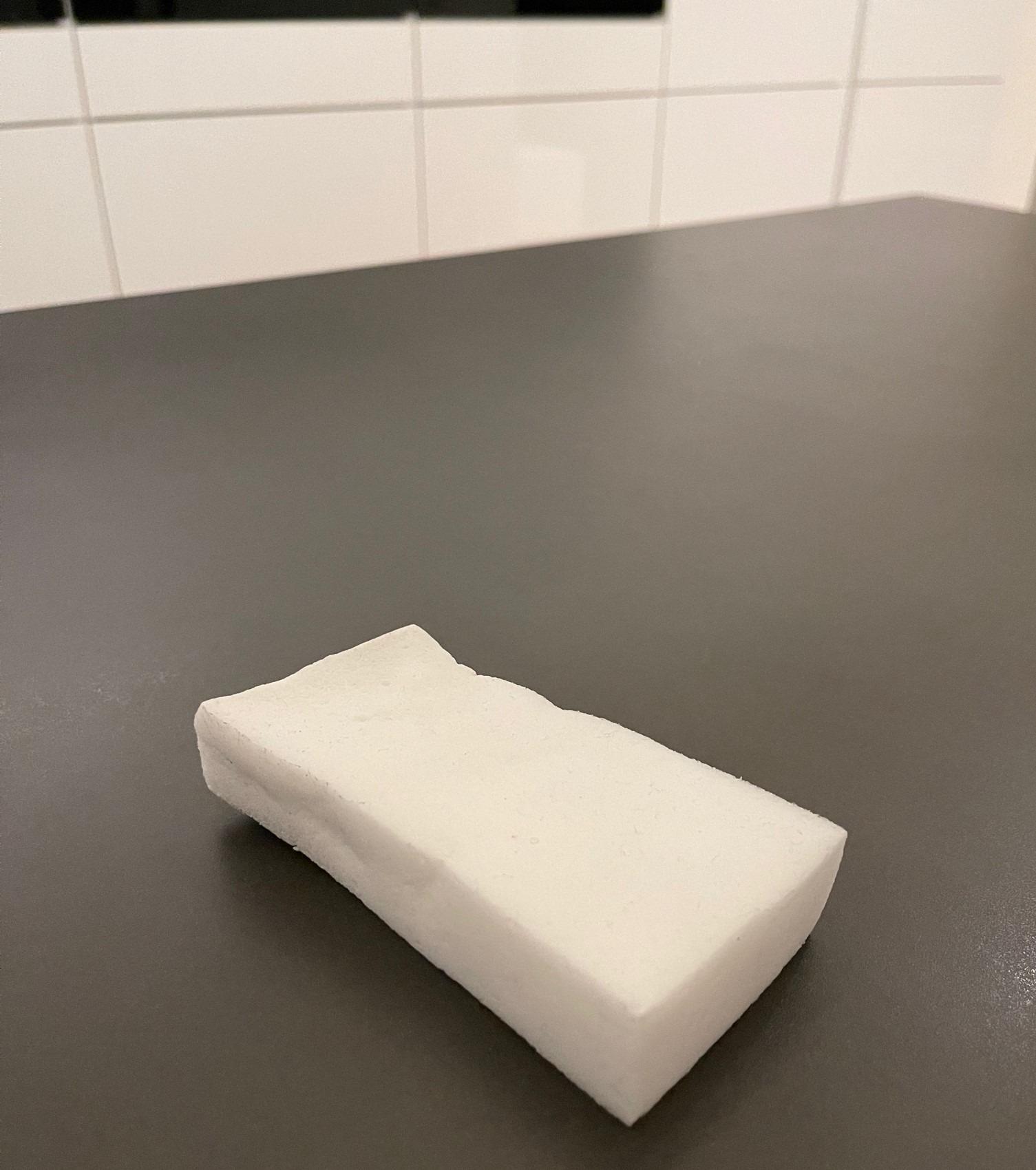Die Flecken auf der Küchenarbeitsplatte wollen nicht gehen